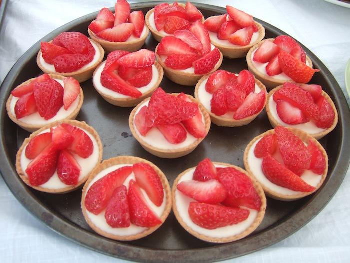 Strawberry Cheesecake Mini Tarts With Cake Mix