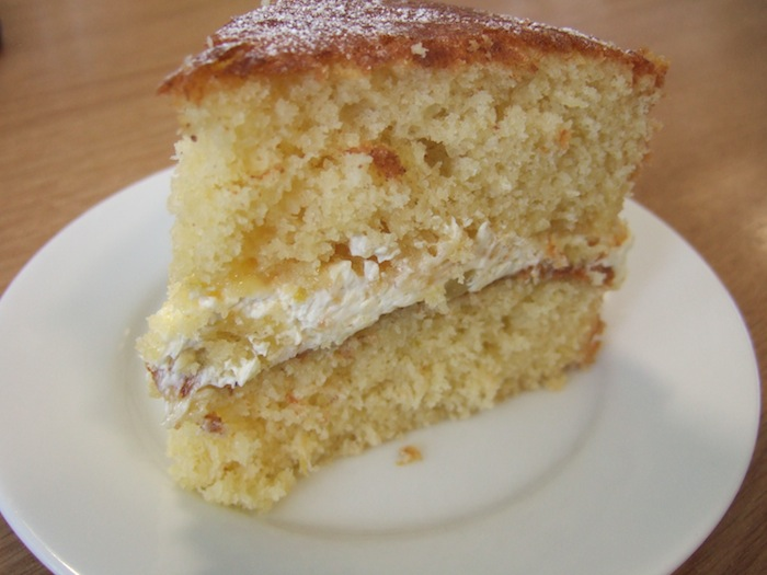 Coconut and lemon cream sandwich cake | hungryhinny