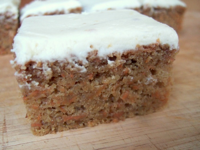 What Kind Of Nuts Go In Carrot Cake