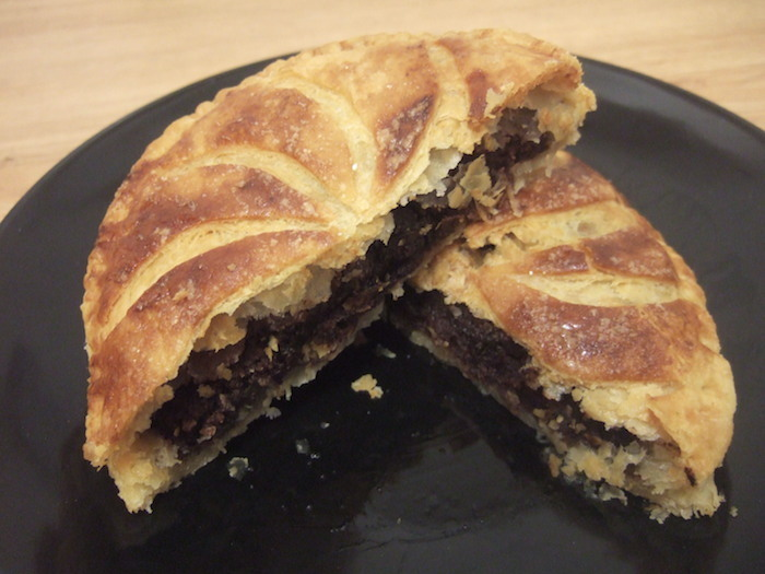 Random recipes hungryhinny chocolate pithiviers forumfinder Image collections